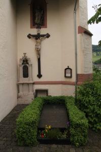 01a. Grabstätte Pastor Harth u. Lorenz